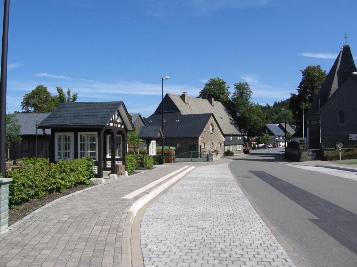 Dorfmitte mit Kirche Medebach-Küstelberg